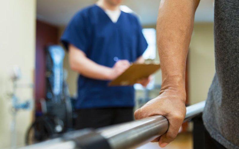 Rehabilitación física para pacientes hospitalizados
